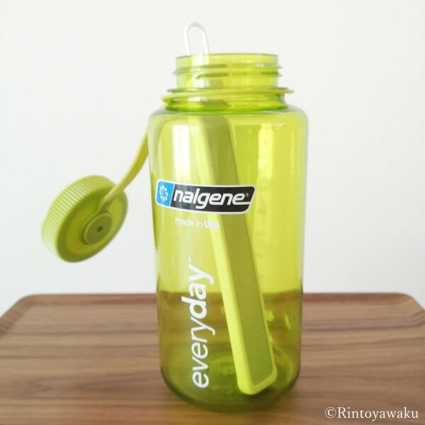 エコカラット ボトル乾燥スティックをナルゲンボトルに入れた画像